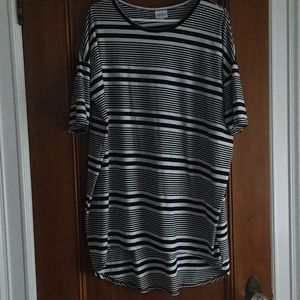 Lularoe Large Irma Tunic Top Stripe Black White